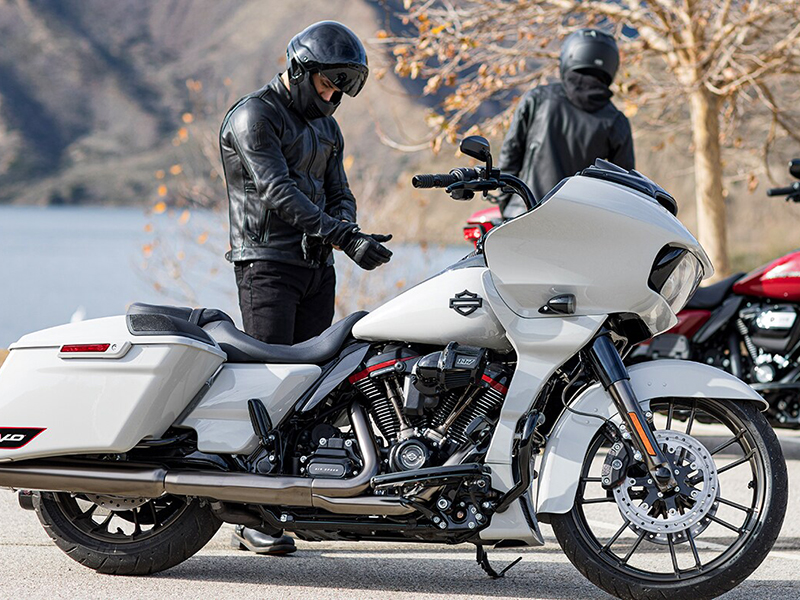 CVO-Road-Glide-product-image-2